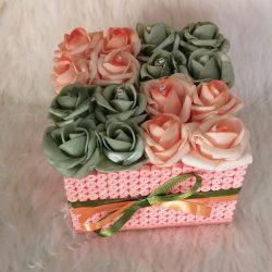 Rózsabox kis rózsa doboz zöld-narancssárga